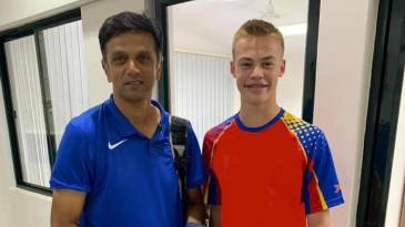 Alexander Volschenk poses with Rahul Dravid