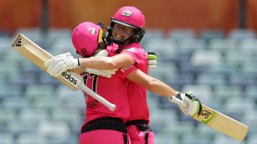 Ellyse Perry and Alyssa Healy are pleased as punch having put on an unbroken 199-run stand
