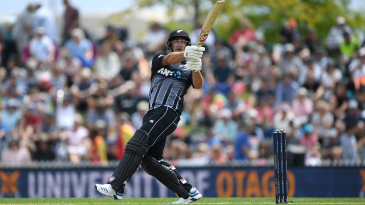 Colin de Grandhomme connects with a pull