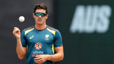 Sean Abbott prepares before game one of the T20I series between Australia and Pakistan