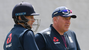 Joe Root and Chris Silverwood chat in the nets