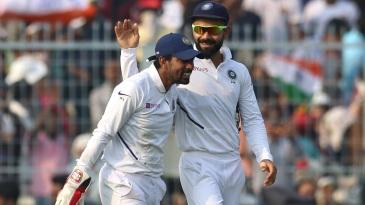 Virat Kohli congratulates Wriddhiman Saha on his brilliant catch to dismiss Mahmudullah