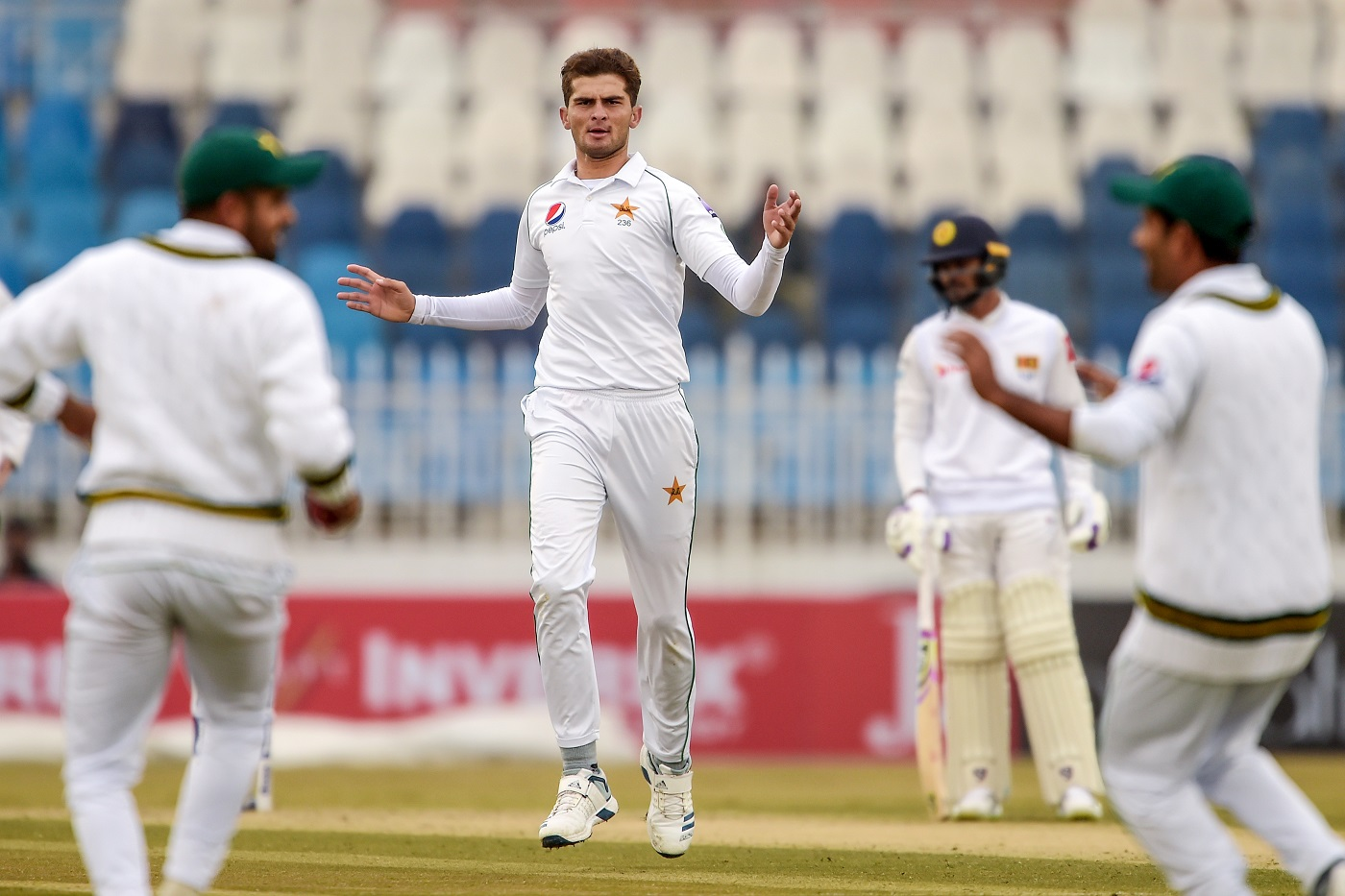 Rain and bad light sees less than 20 overs bowled on Day 2, Sri Lanka 263/6 against Pakistan