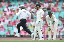 Aleem Dar sprints from square leg to point, Australia v New Zealand, 3rd Test, Sydney, 3rd day, January 5, 2020