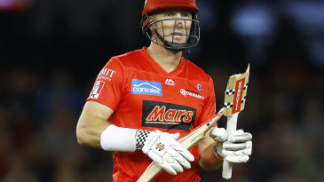 Shaun Marsh broke his bat