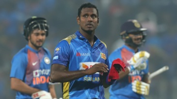 Angelo Mathews bowled in a competitive match for the first time since the World Cup in July 2019