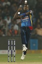 Angelo Mathews looks to roll his fingers over the ball, India v Sri Lanka, 3rd T20I, Pune, January 10, 2020