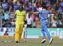 Pat Cummins was yorked first ball by Mohammed Shami, India v Australia, 3rd ODI, Bengaluru, January 19, 2020
