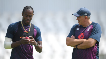 Jofra Archer and Chris Silverwood chat at England training