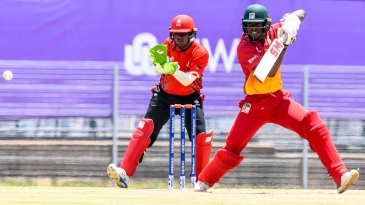 Emannuel Bawa played a great hand, scoring a hundred from No. 7