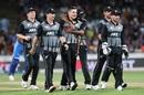 Hamish Bennett gets a big hug from Ish Sodhi, New Zealand v India, 3rd T20I, Hamilton, January 29, 2020
