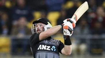 Tim Seifert picked up the New Zealand chase after Colin Munro fell