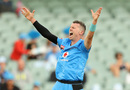 Peter Siddle appeals for the lbw of Callum Ferguson, Adelaide Strikers v Sydney Thunder, Adelaide, The Knockout, BBL09, February 1, 2020