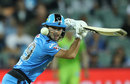 Jon Wells places the ball, Adelaide Strikers v Sydney Thunder, Adelaide, The Knockout, BBL09, February 1, 2020