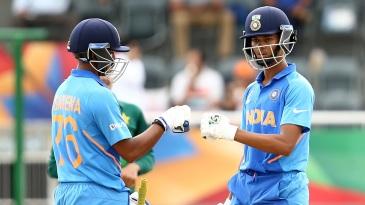 Divyaansh Saxena and Yashasvi Jaiswal punch gloves