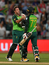 Jon-Jon Smuts and Rassie van der Dussen saw South Africa home, South Africa v England, 1st ODI, Cape Town, February 4, 2020