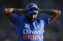 Mohammed Shami adjusts his cap, New Zealand v India, 1st ODI, Hamilton, February 5, 2020