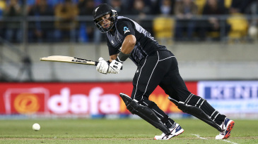 Ross Taylor sets off for a run