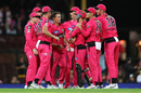 Steve O'Keefe is congratulated after picking a wicket, Sydney Sixers v Melbourne Stars, BBL 2019-20 final, Sydney, February 8, 2020