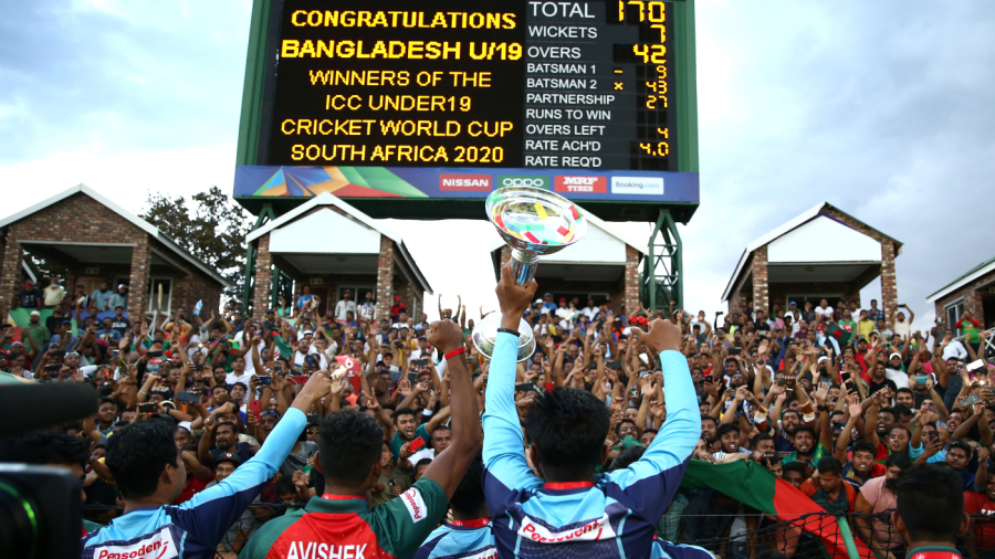 U-19 World Cup champions Bangladesh acknowledge their fans in Potchefstroom