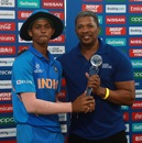 Yashaswi Jaiswal receives Man-of-the-Tournament award from Makhaya Ntini, Bangladesh U-19s v India U-19s, U-19 World Cup final, Potchefstroom, February 9, 2020