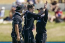 Hamish Bennett is congratulated for a dismissal, New Zealand v India, 3rd ODI, Mount Maunganui, February 11, 2020