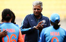 WV Raman talks to the players, New Zealand v India, 1st women's T20I, Wellington, February 6, 2019