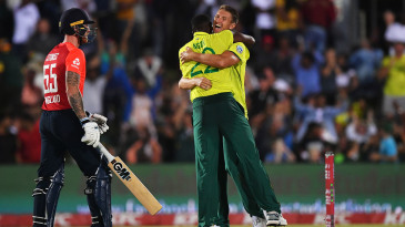 Lungi Ngidi and Dwaine Pretorius celebrate the wicket of Ben Stokes
