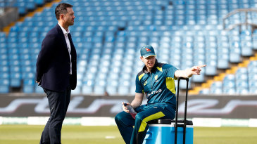 Ricky Ponting chats to Steven Smith during the Ashes