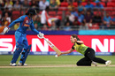 Molly Strano attempts to stop the ball as Smriti Mandhana comes in the way, Australia v India, Women's T20 World Cup, Sydney, February 21, 2020