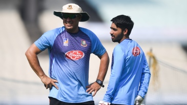 Russell Domingo and Mominul Haque have a chat while training