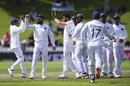Virat Kohli and Jasprit Bumrah celebrate BJ Watling's dismissal, New Zealand v India, 1st Test, Wellington, 3rd day, February 23, 2020