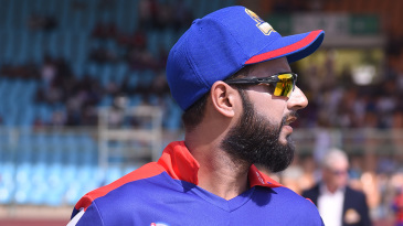 Imad Wasim weighs his options