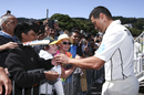 Ross Taylor obliges fans at this 100th Test, New Zealand v India, 1st Test, Wellington, 4th day, February 24, 2020