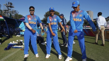 Dance while you're winning - Deepti Sharma, Jemimah Rodrigues and Radha Yadav after the win