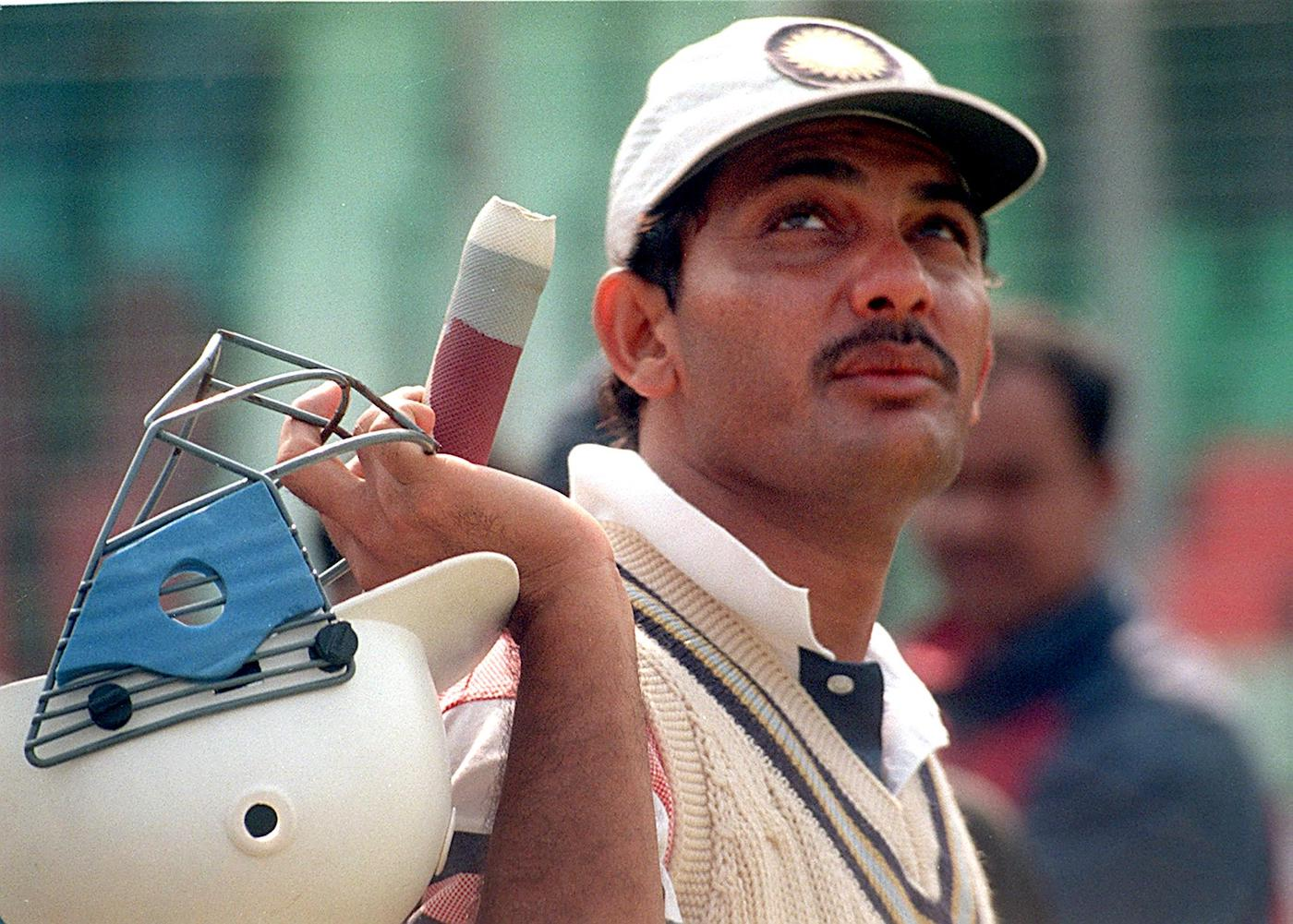 Mohammad Azharuddin arrives for batting practice
