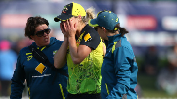 Ellyse Perry distressed after suffering a hamstring injury