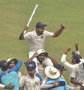 Mukesh Kumar is chaired off the field after starring in Bengal's win, Bengal v Karnataka, Ranji Trophy 2019-20, semi-final, Kolkata, 4th day, March 3, 2020