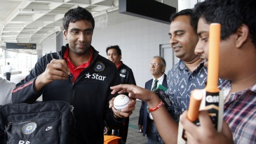 R Ashwin keeps his fans happy