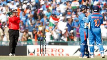 Ian Gould reverses his lbw decision against Sachin Tendulkar upon review