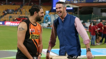 Kevin Pietersen shares a laugh with Yuvraj Singh