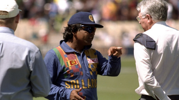 Arjuna Ranatunga has a chat with match referee Peter van der Merwe
