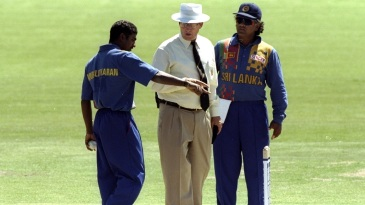 Muttiah Muralitharan and Arjuna Ranatunga argue with umpire Ross Emerson after the no-ball incident