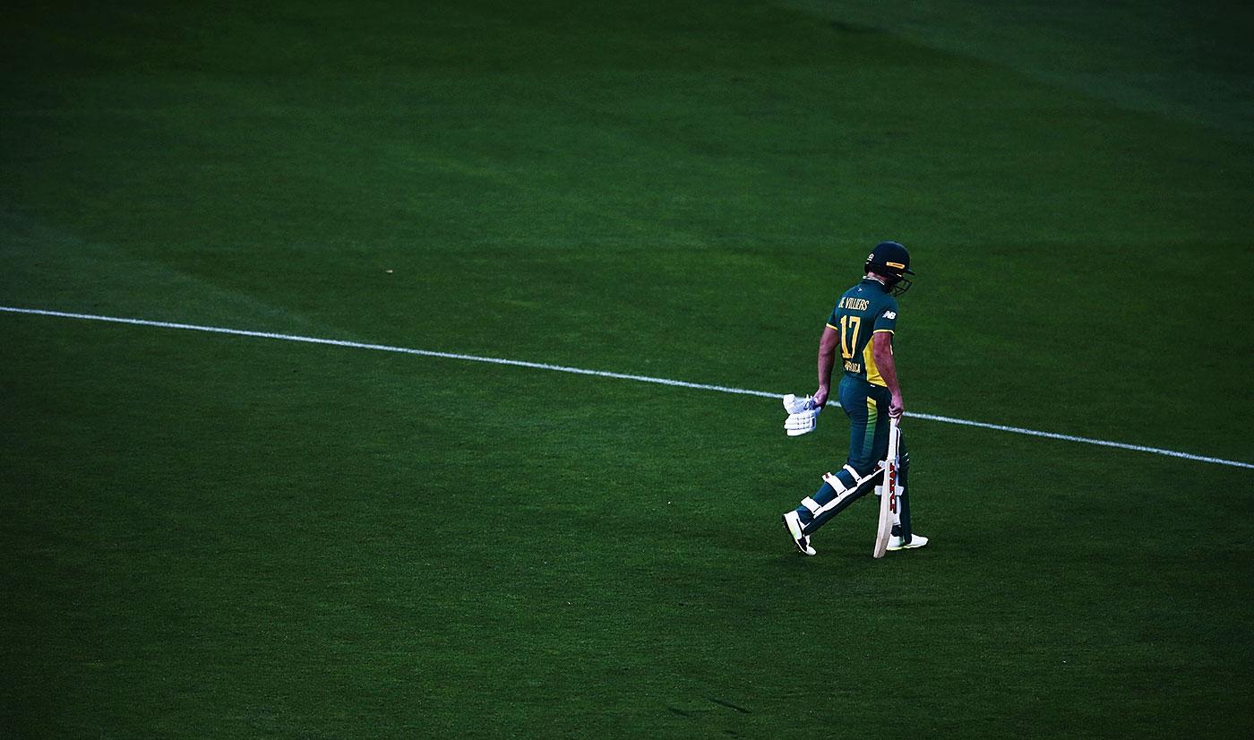 AB de Villiers walks back