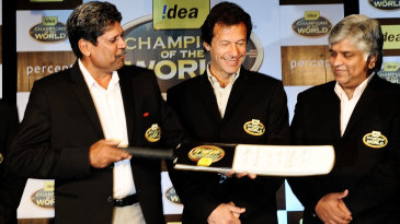 Kapil Dev, Imran Khan and Arjuna Ranatunga at a World Cup event