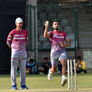 Harshal Patel bowls in training as Ricky Ponting looks on, IPL 2019