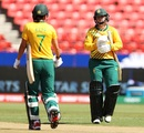 Dane Van Niekerk and Marizanne Kapp chat between an innings, Sydney, March 01, 2020