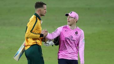 Eoin Morgan congratulates Alex Hales after his half-century in the T20 Blast quarter-final