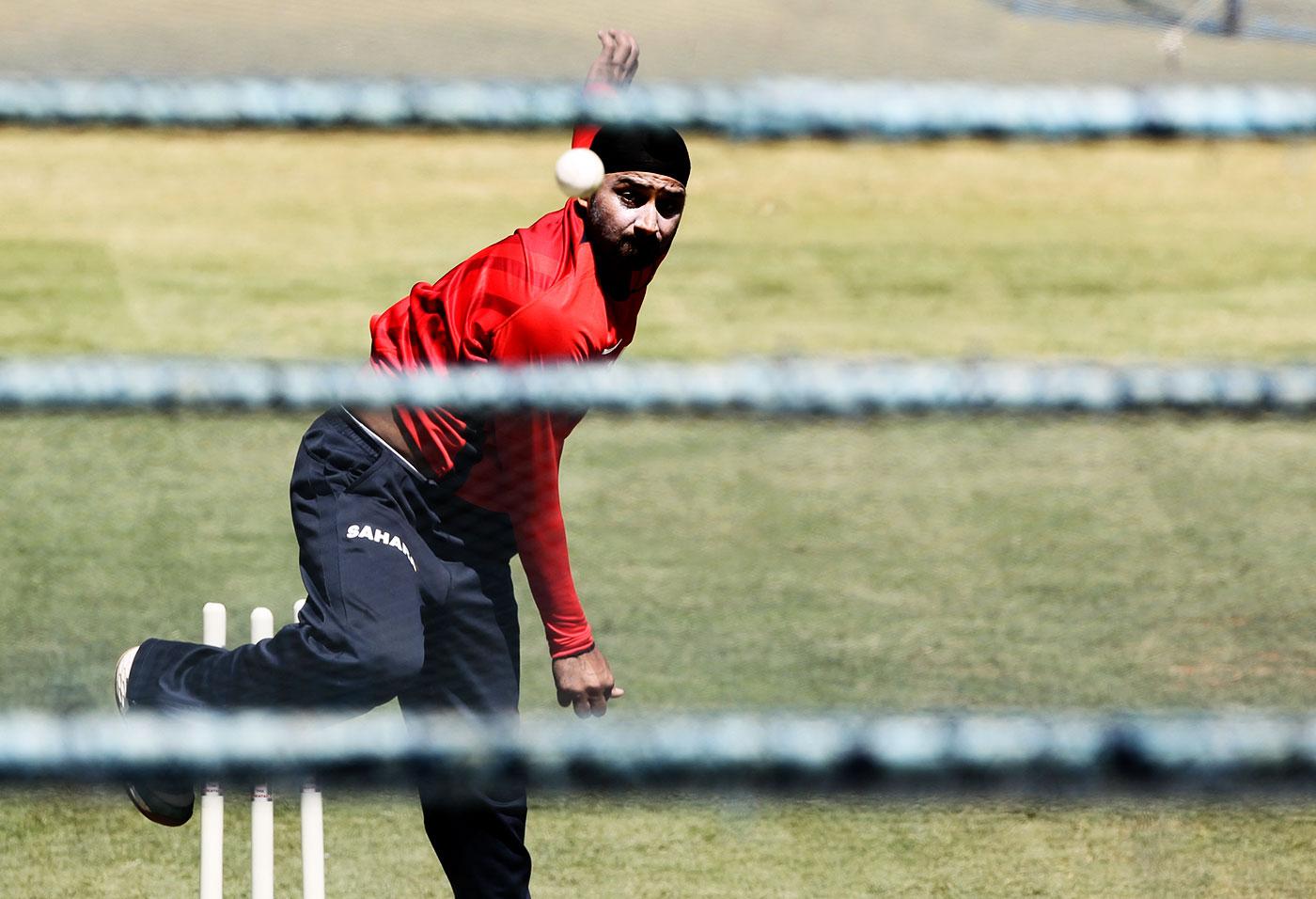 Harbhajan Singh bowls in the nets