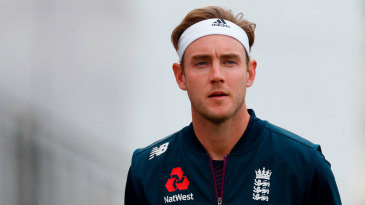 Stuart Broad wearing his new-look bandana